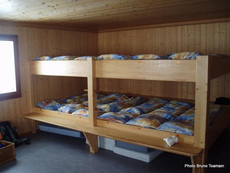 """Et dire qu'en Suisse, les refuges s'appellent encore """"cabanes"""""""